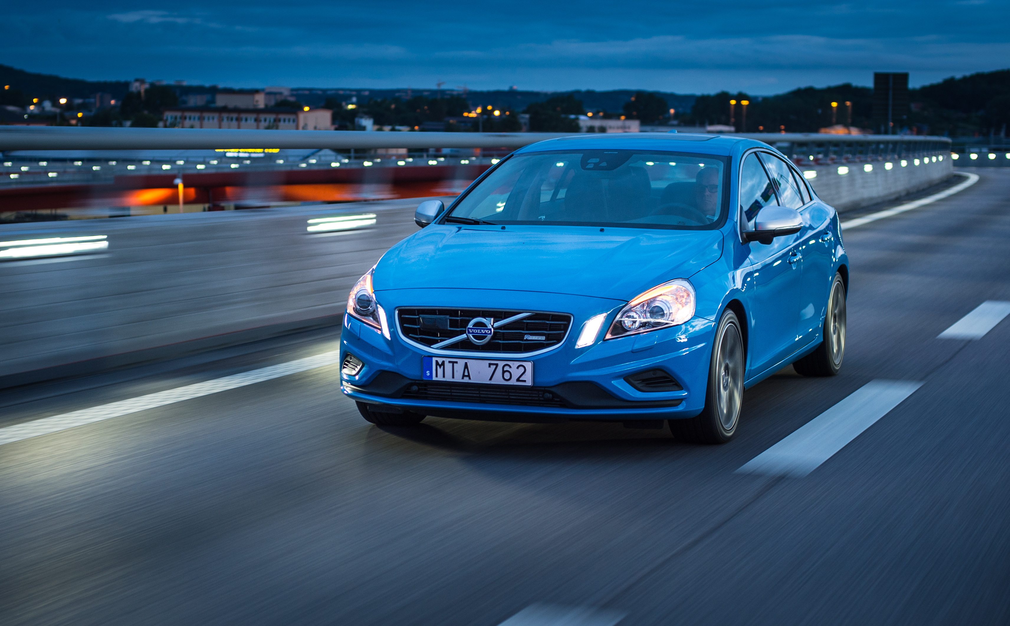 The 2012 Volvo S60 R Design Driven